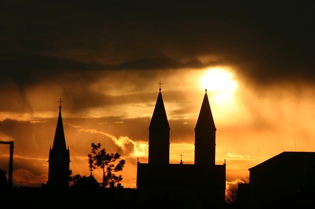 churches help homeless, shelter, family shelter, family homeless